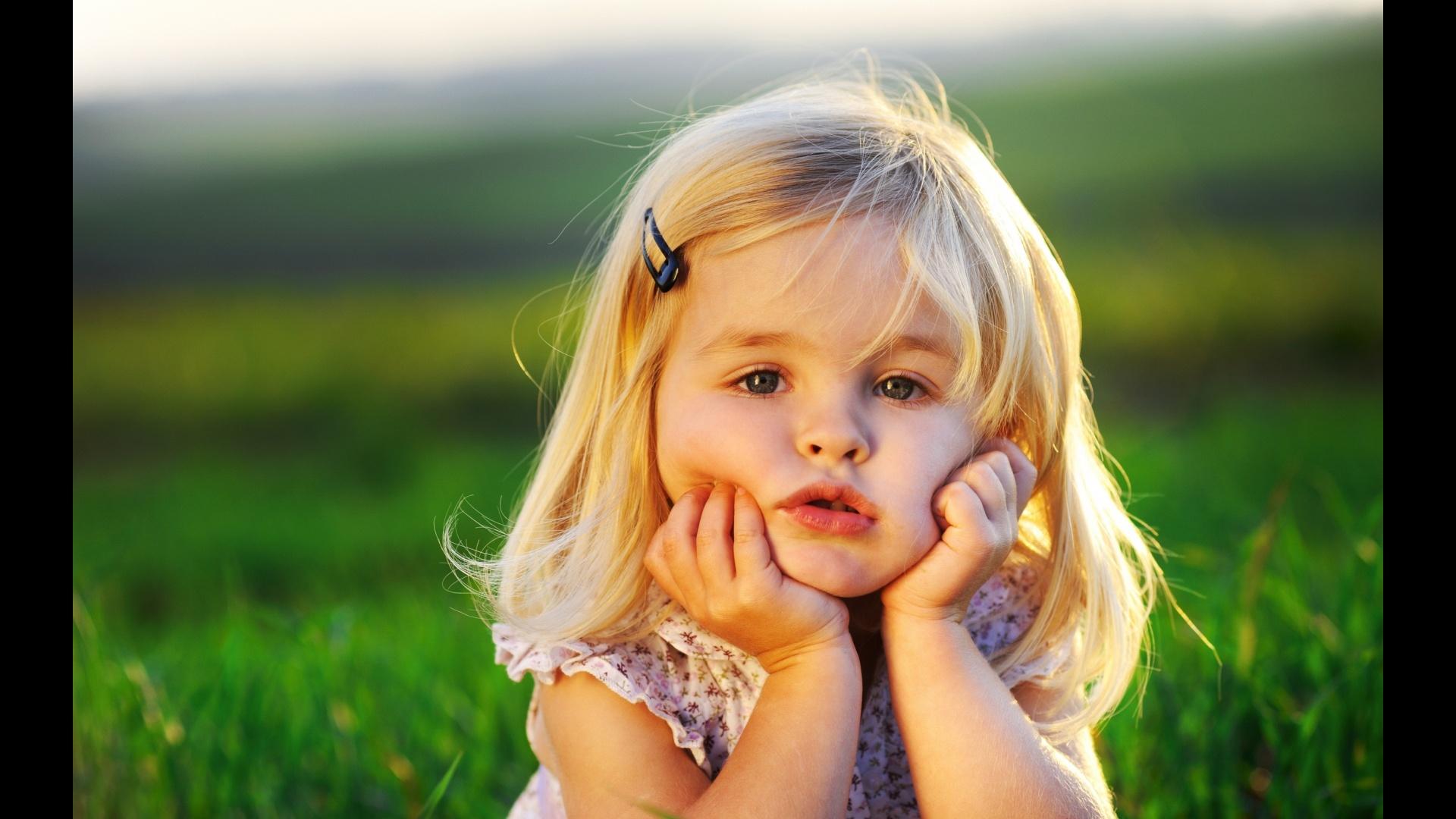 Cute-Little-Baby-Girl-Wallpaper