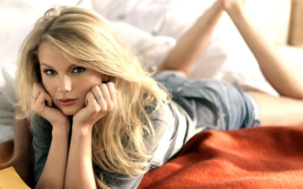 Amazing Taylor Swift 2013 Wallpaper