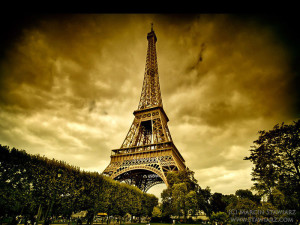 Eiffel Tower 3D Wallpaper