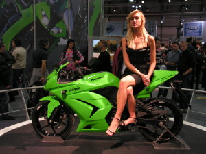 Kawasaki Ninja 250R with girl wallpaper