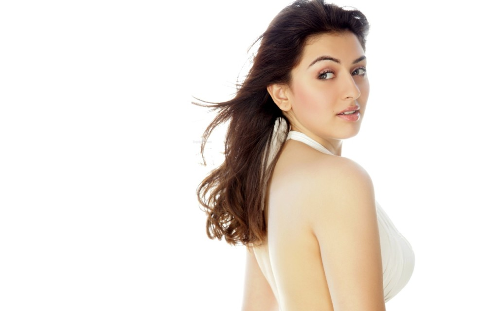 Actress Hansika Wallpapers