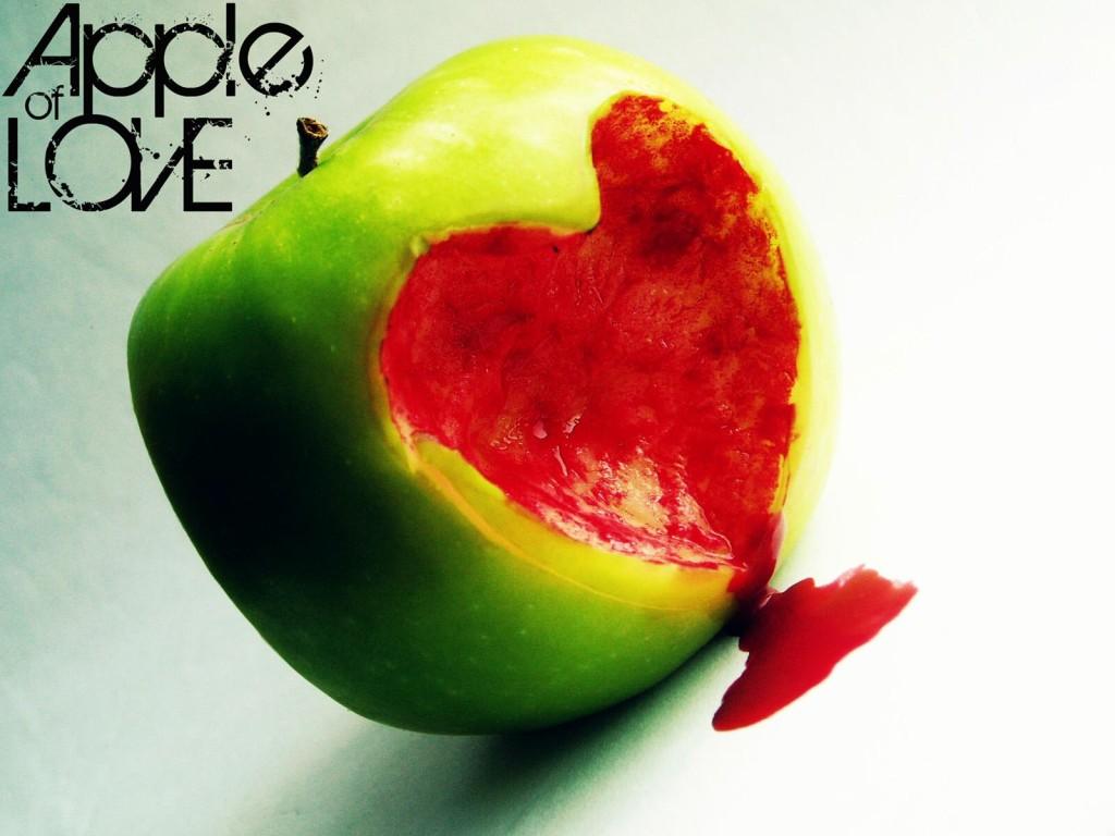 Apple Love Wallpaper