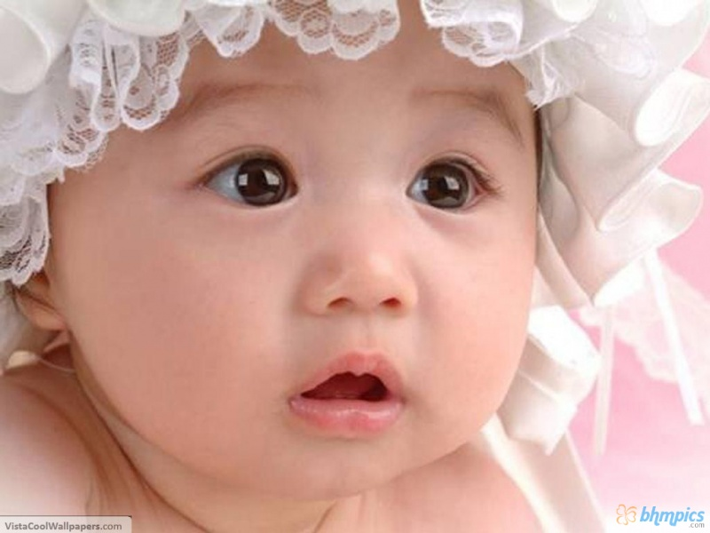 Cute Baby Wierd Looking Wallpaper