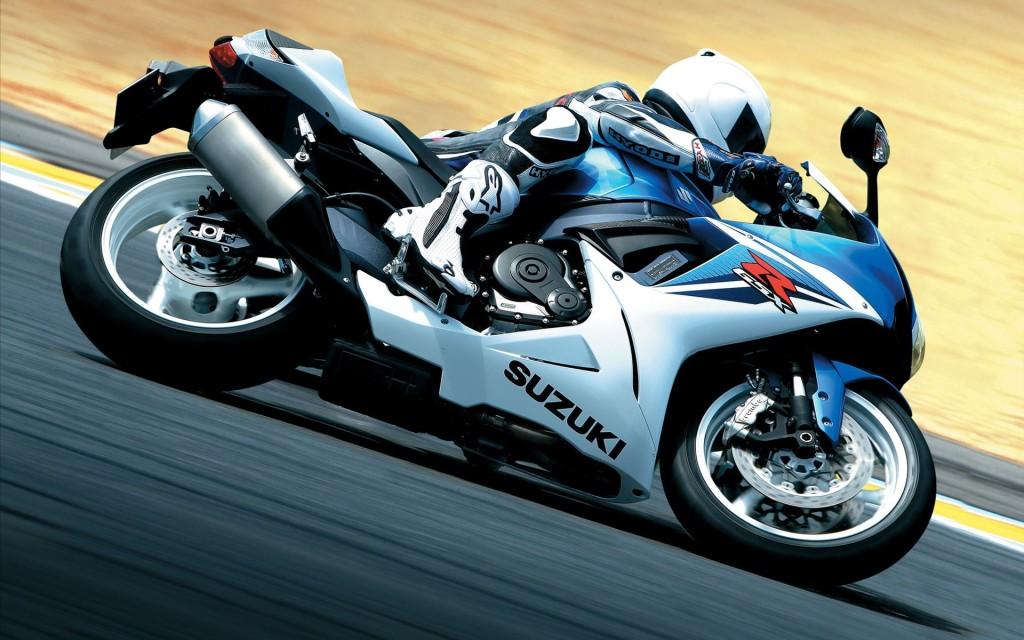 2011 Suzuki GSX R600 Wallpaper