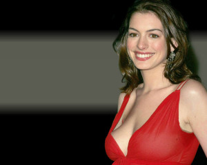 Anne Hathaway Red Dress