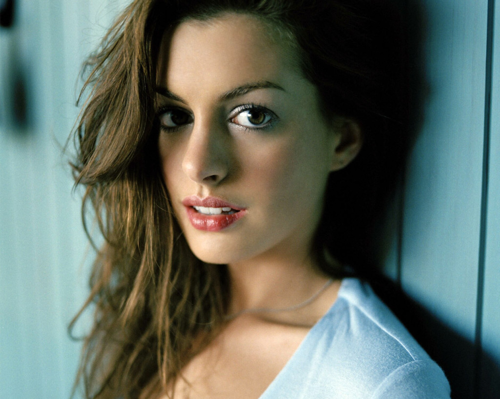 Anne Hathaway Wallpaper 2013