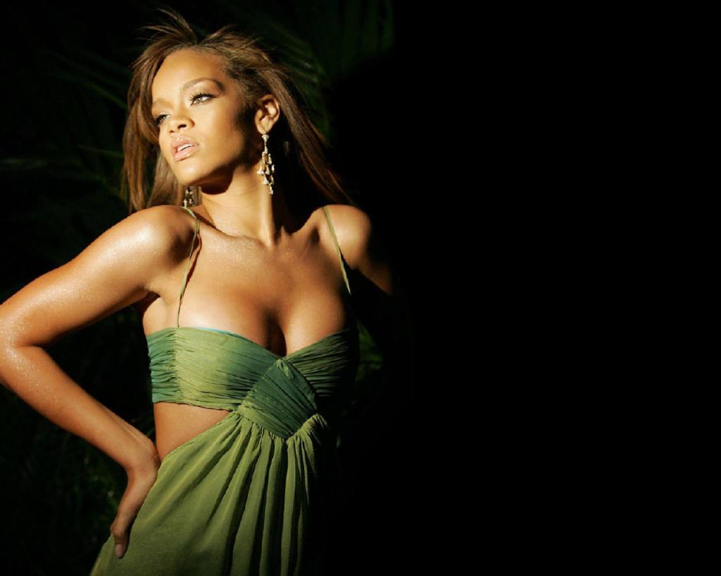 Cute Rihanna Wallpaper