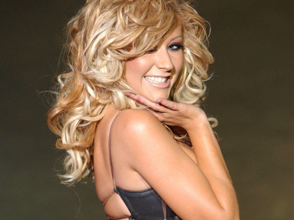 Download Christina Aguilera Wallpaper