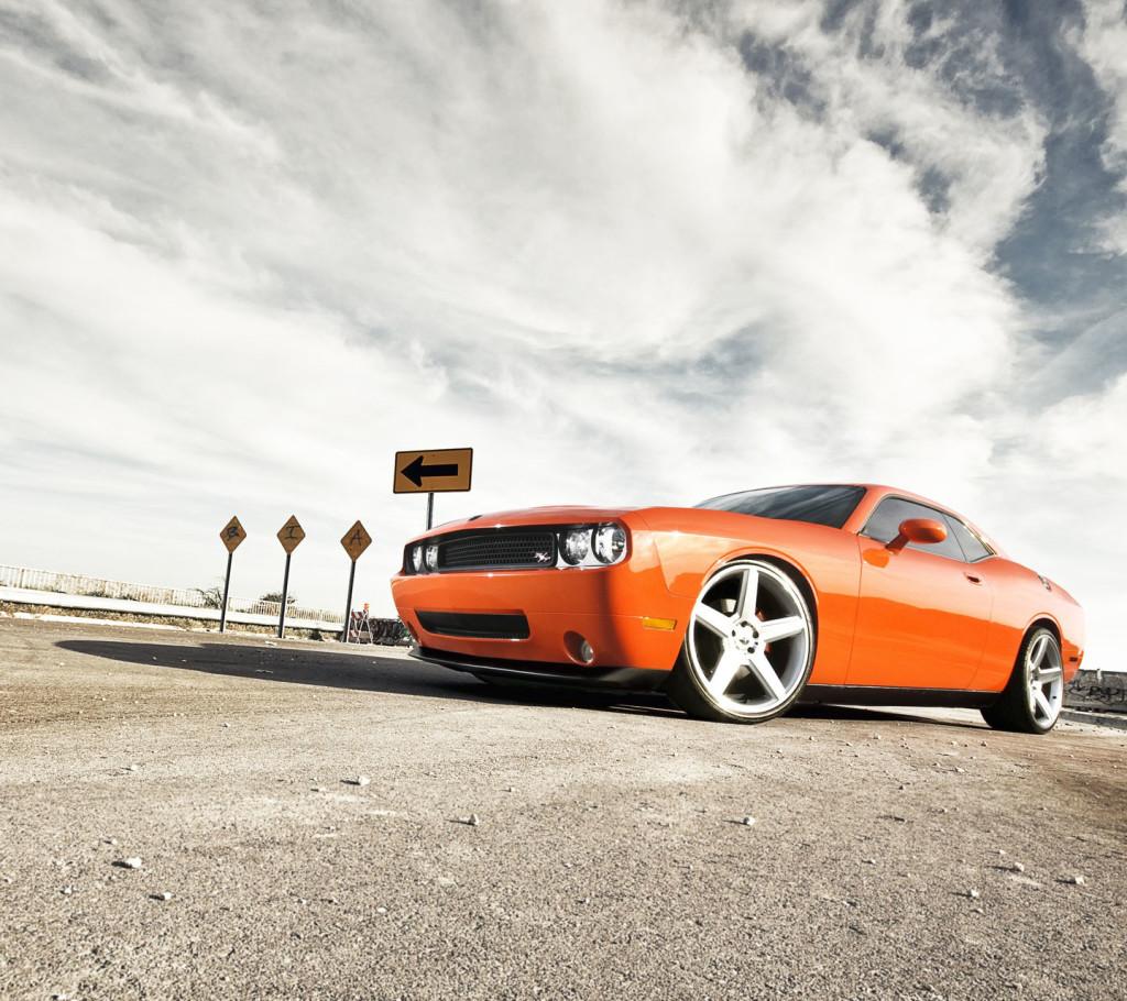 Download Dodge Challenger Wallpaper