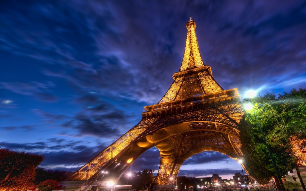 Eiffel Tower Paris Wallpaper