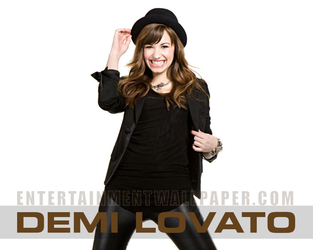 Free Demi Lovato Wallpaper