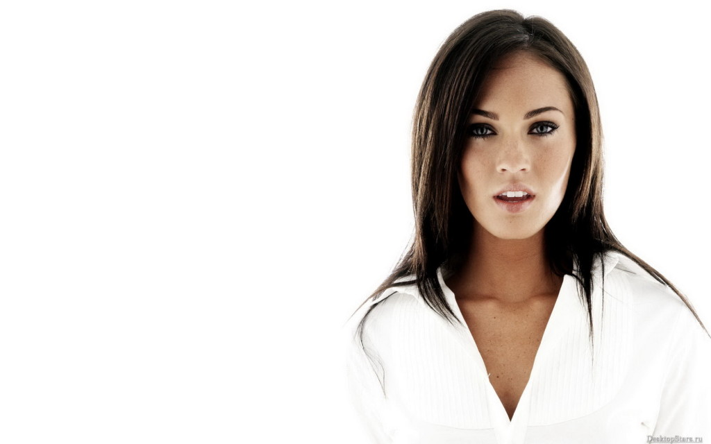Download Megan Fox Wallpaper