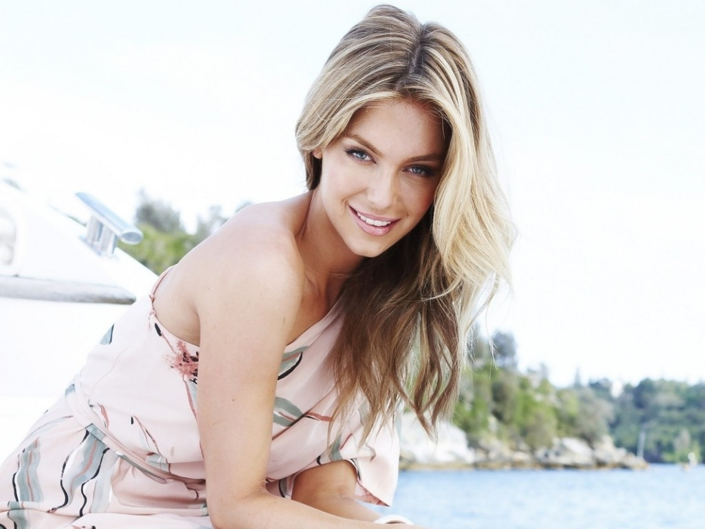 Jennifer Hawkins Wallpaper 2013