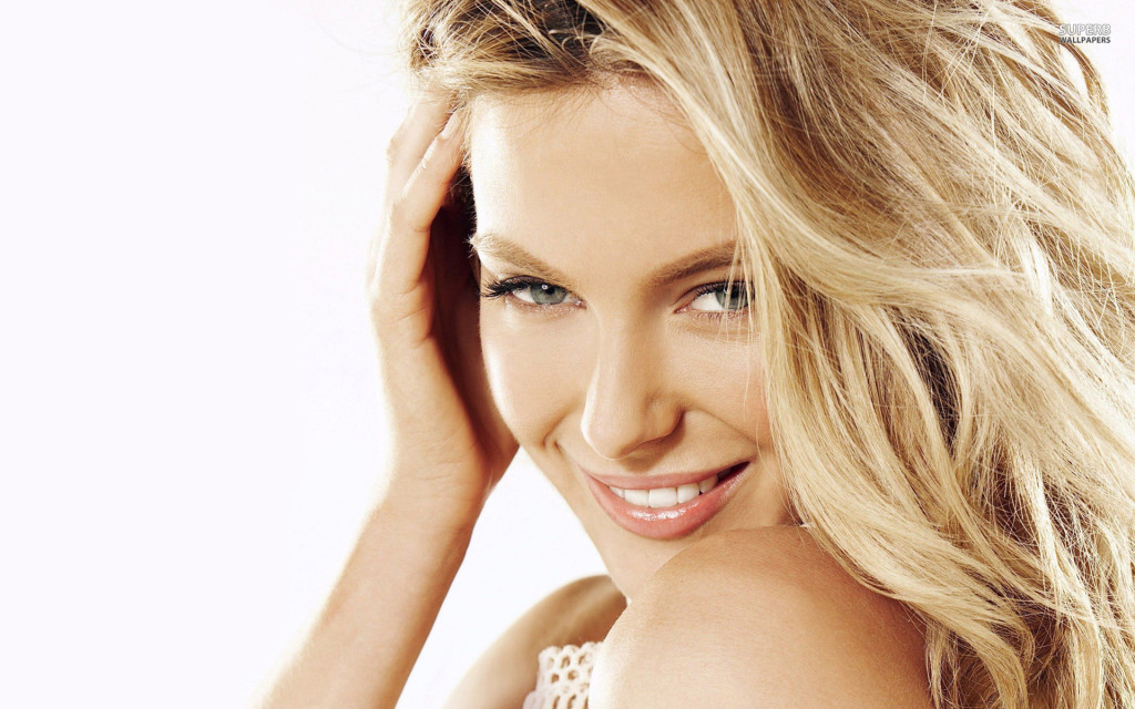 Jennifer Hawkins Wallpaper HD