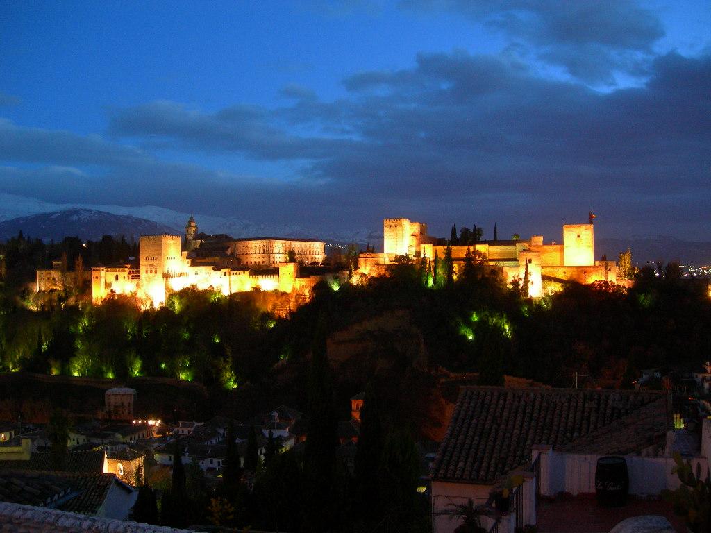 Alhambra Night Wallpaper