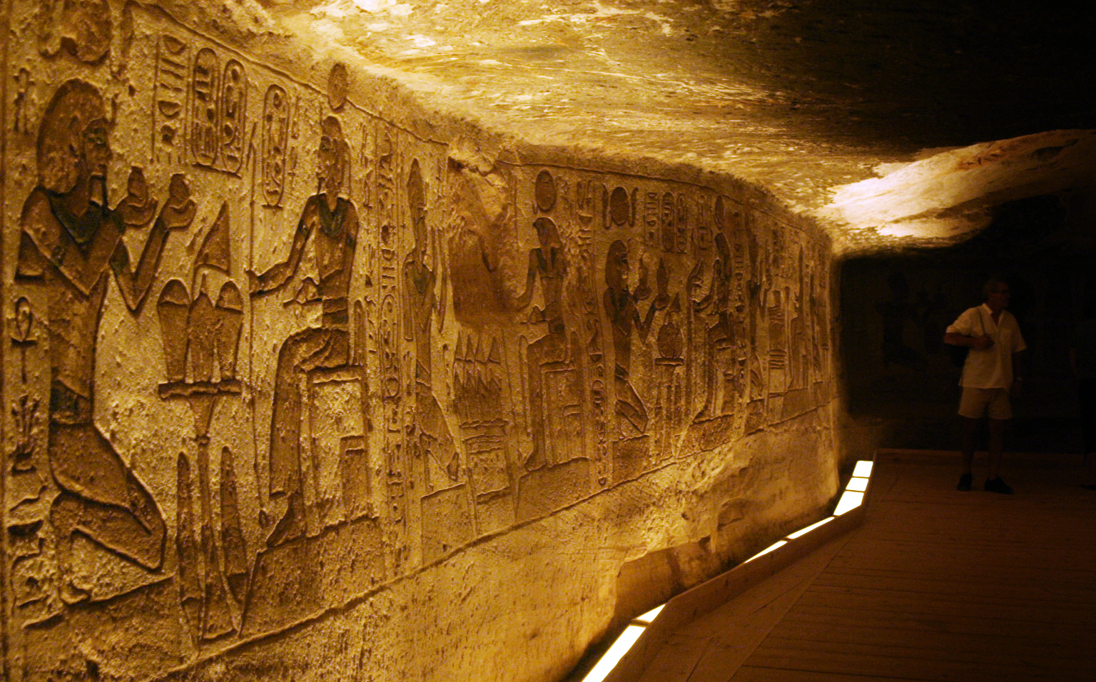 Interior Abu Simbel Wallpaper