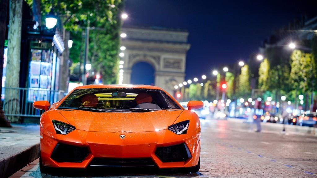 Lamborghini Aventador Night Shot Wallpaper